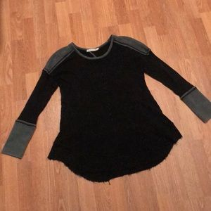 Thermal sweater w/ key hole back